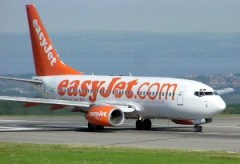 800px-Low.cost_.carrier.easyjet.arp_-300x205.jpg